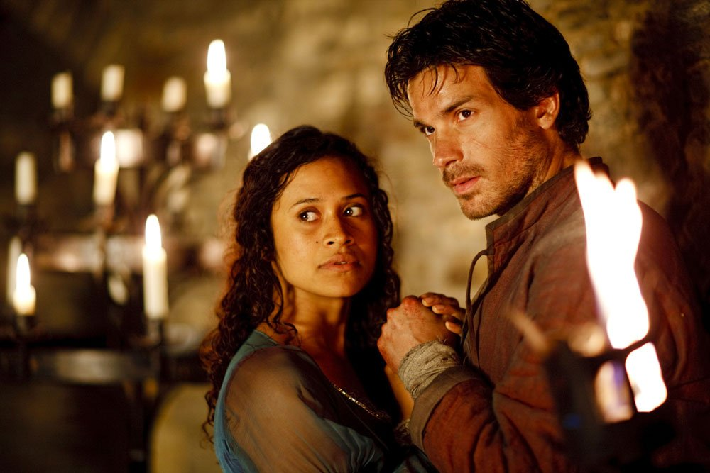 love triangle between king arthur guenevere and lancelot Failing to produce an heir and unable to be with the love of her life, lancelot, she falls into a deep depression and - hoping for salvation - becomes an increasingly fanatical christian in the film king arthur, guinevere.