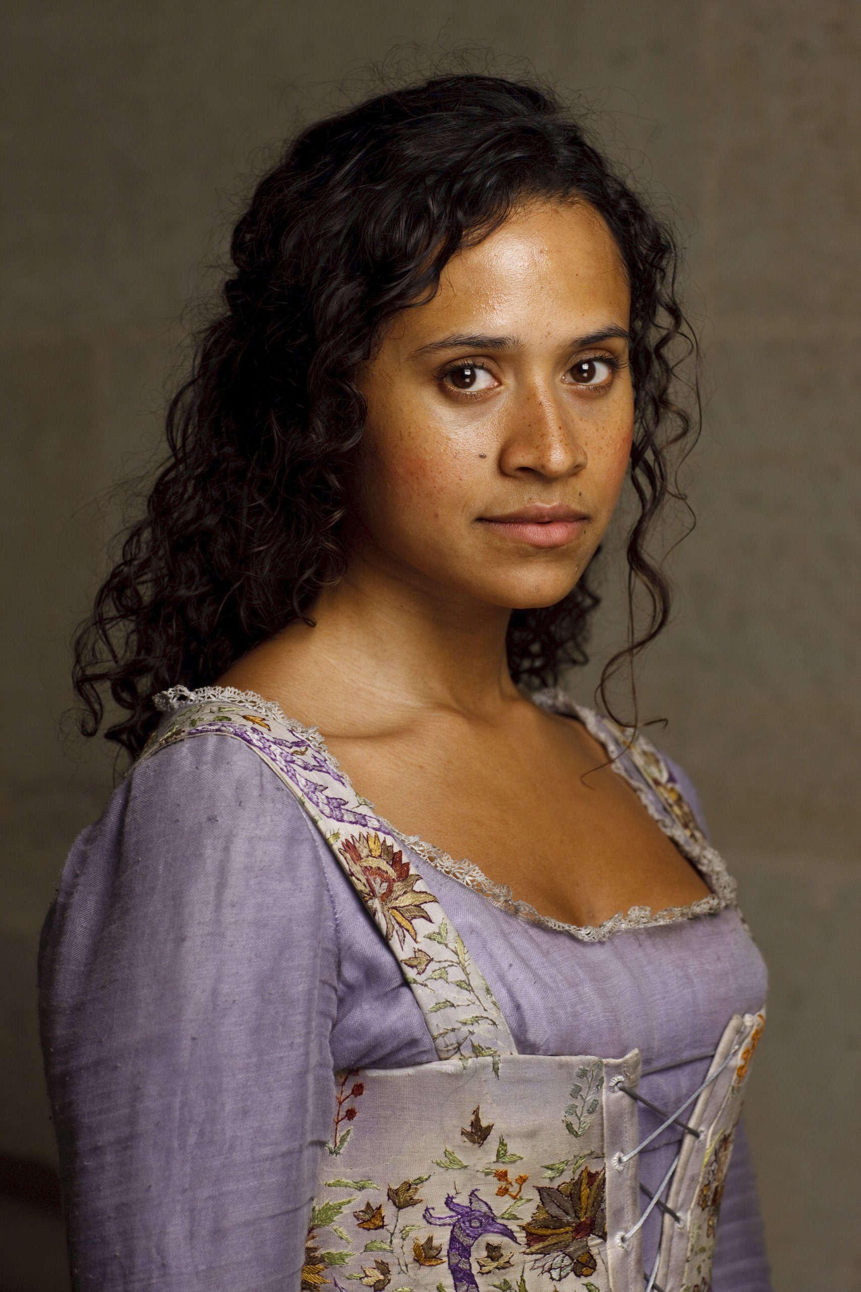 Merlin Interview Angel Coulby Season 2 Sci Fi Bulletin Exploring The Universes Of Sf Fantasy Horror
